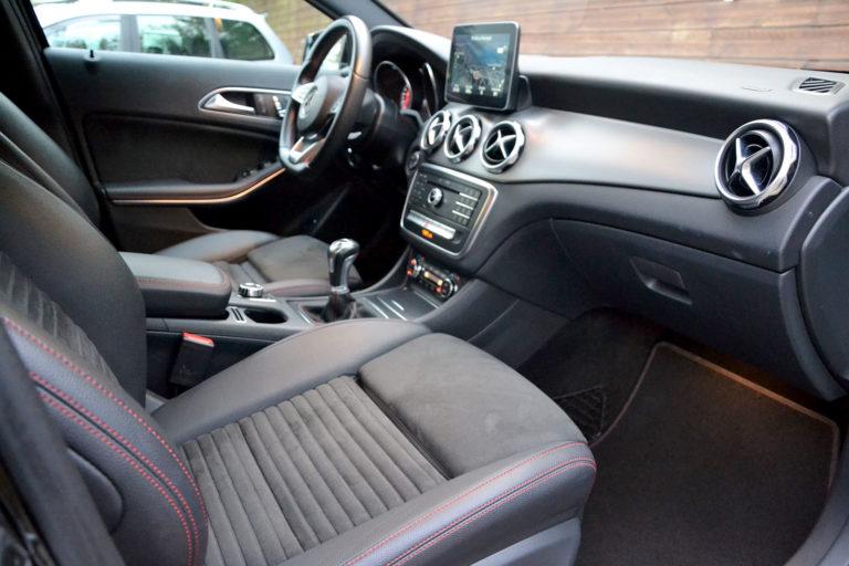 Mercedes-Benz GLA 180 D AMG Line